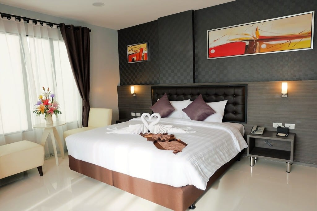 Modern Bedroom Design Meets Comfort